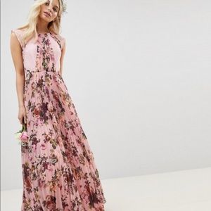 Beautiful floral maxi NWT size 10